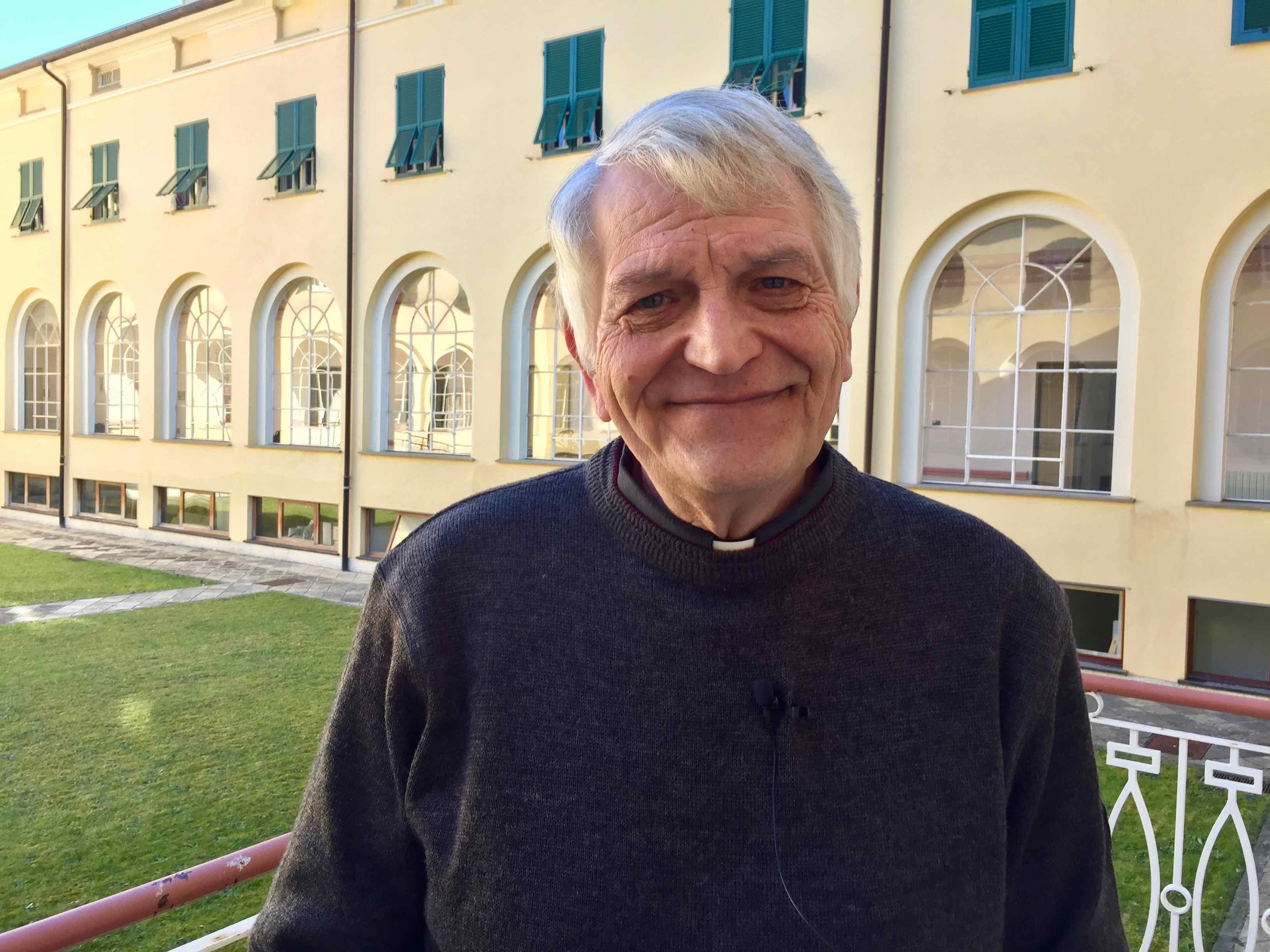 prete Rinaldo Rocca al Centro Benedetto Acquarone