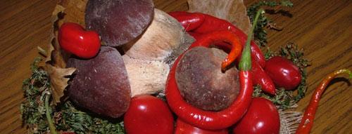 peperoncini e funghi porcini