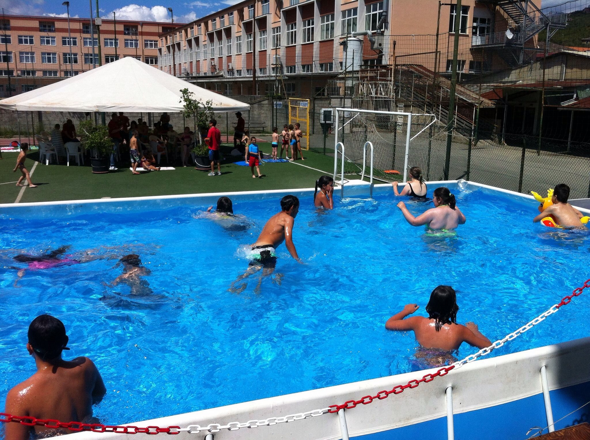 Piscina estate Centro San Salvatore Giochinsieme
