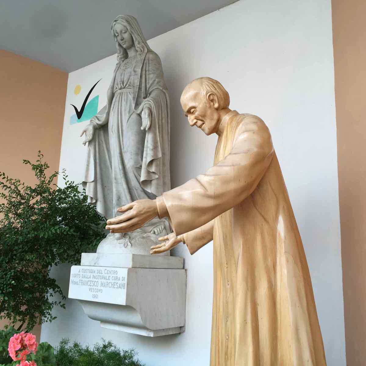 Statua don Nando Negri 01 Centro San Salvatore