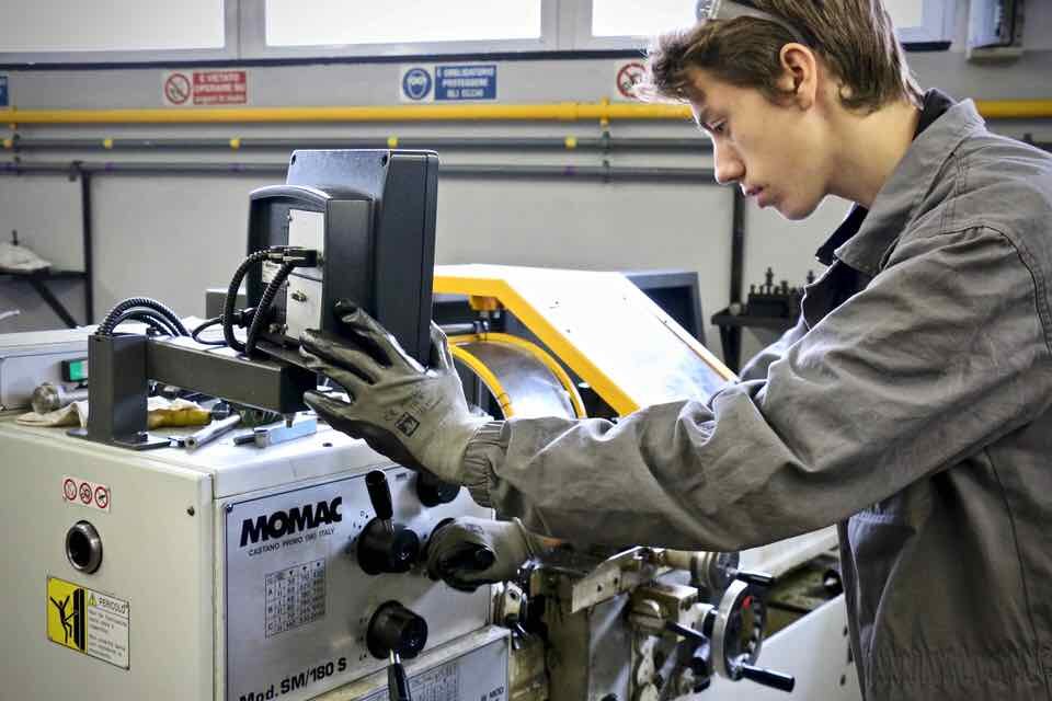 Corso Operatore Meccanico - Centro Formazione Professionale Altiero Spinelli - Genova - 44