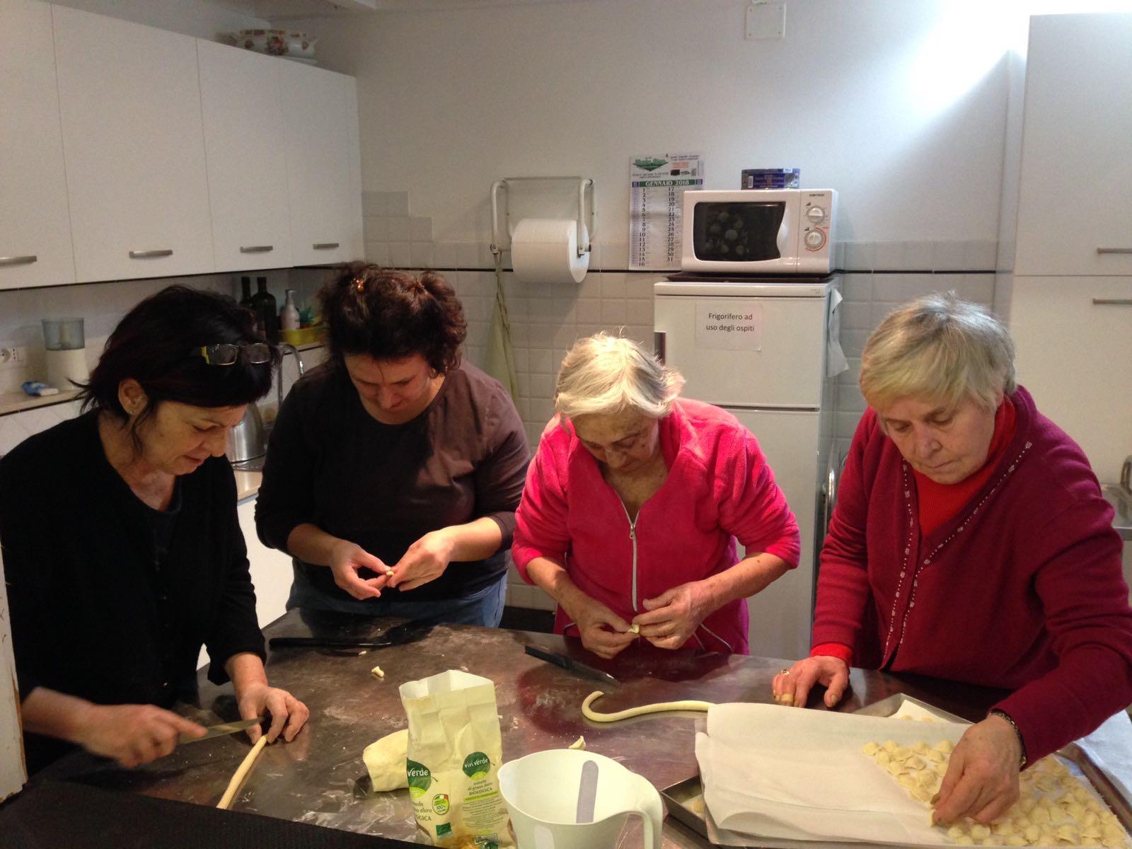 Centro Diurno Anziani - Progetto La nostra cucina 03