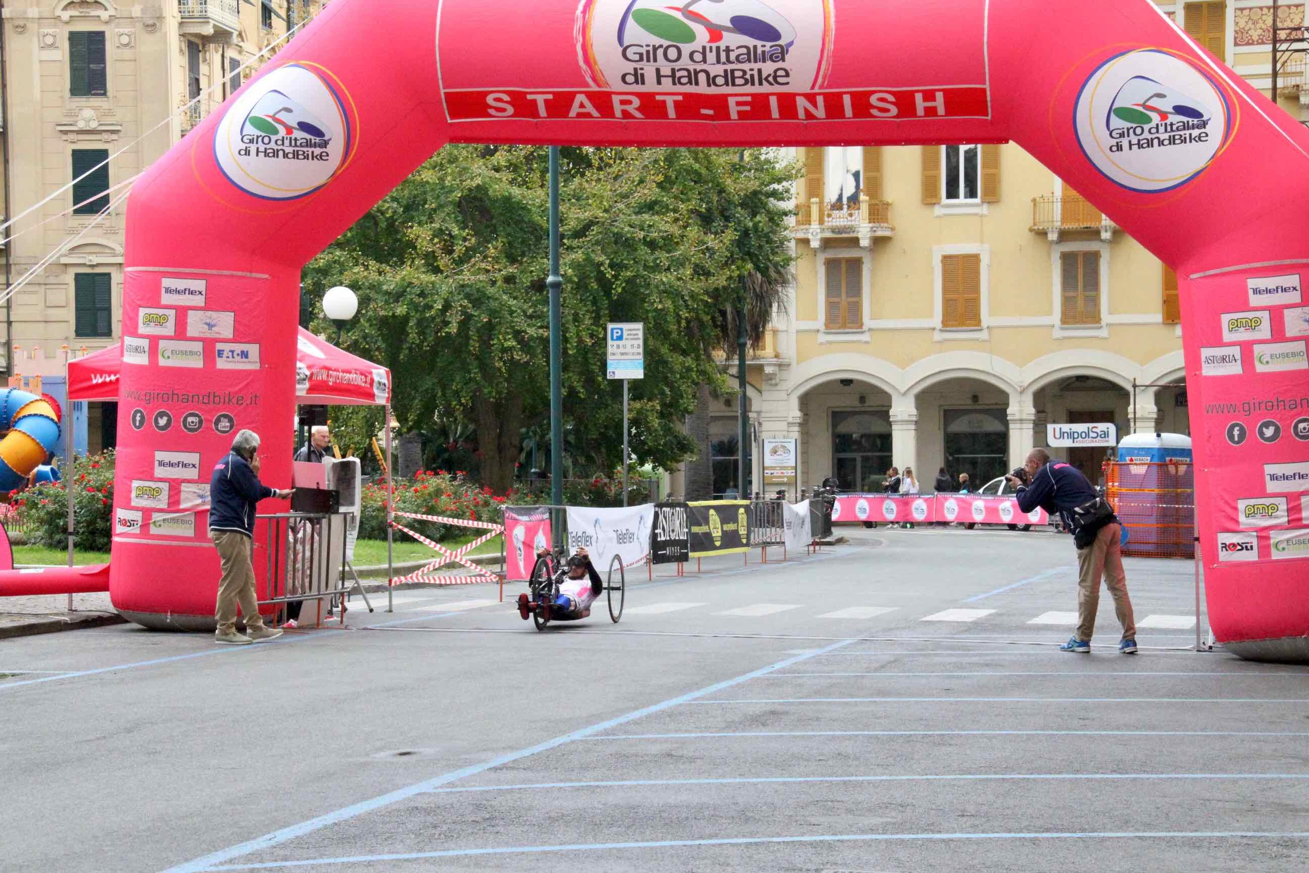 1° Memorial don Nando Negri a Chiavari per il Giro d'Italia Handbike 2018 - 2