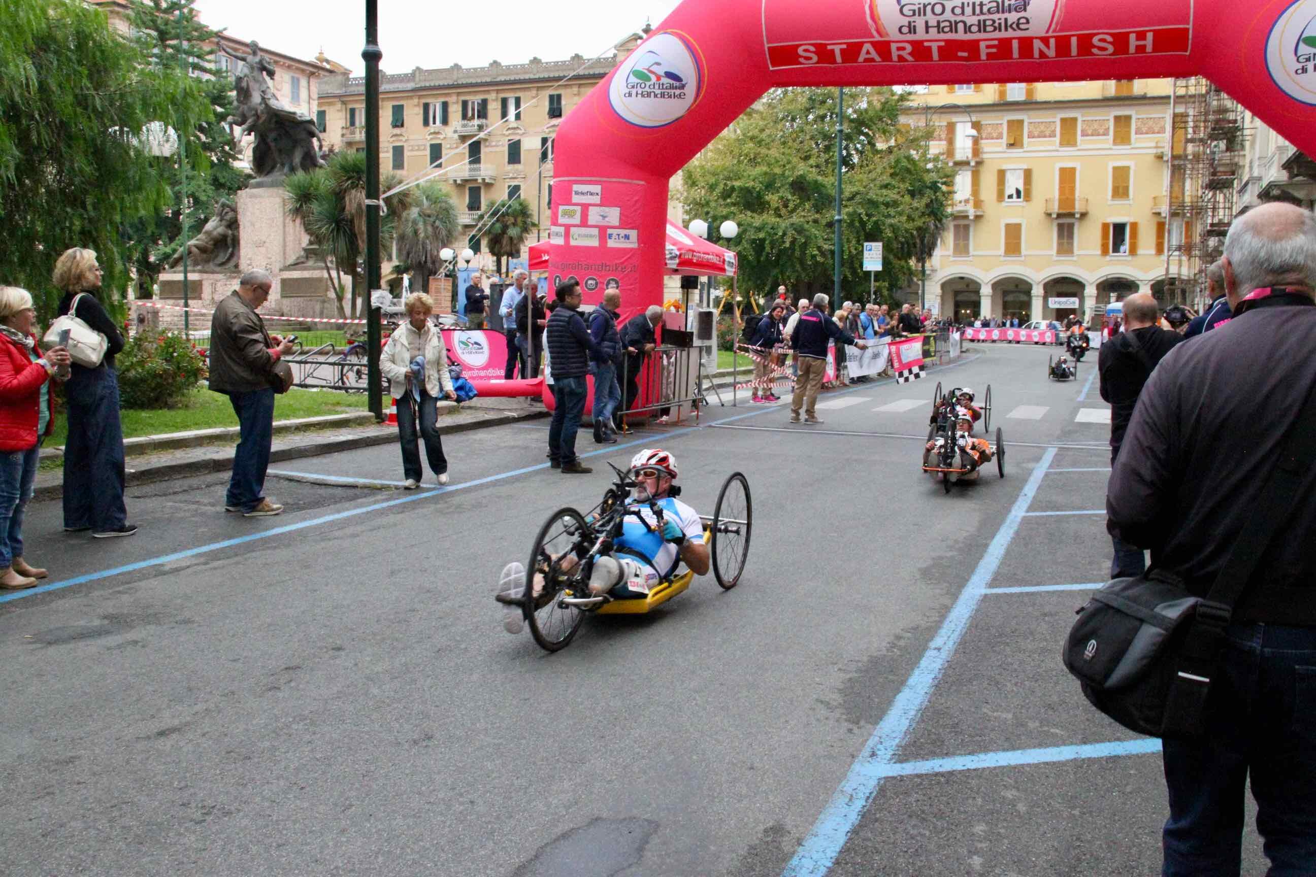 1° Memorial don Nando Negri a Chiavari per il Giro d'Italia Handbike 2018 - 9