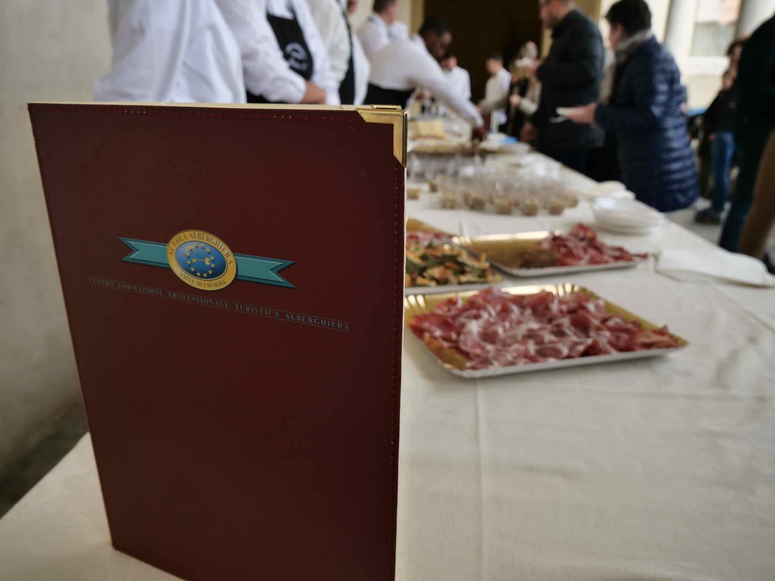 Torneo di pesto al mortaio e aperitivo di beneficienza a cura della Scuola Alberghiera di Lavagna - 12