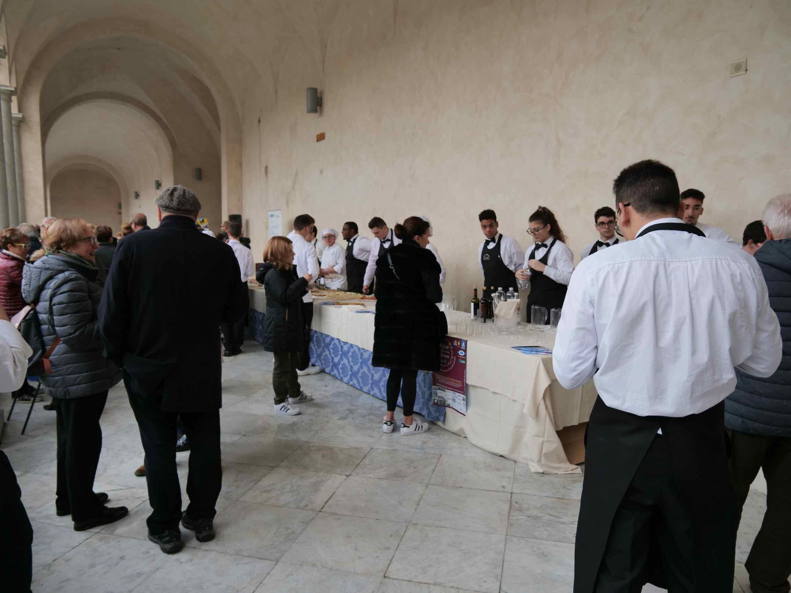 Torneo di pesto al mortaio e aperitivo di beneficienza a cura della Scuola Alberghiera di Lavagna - 5
