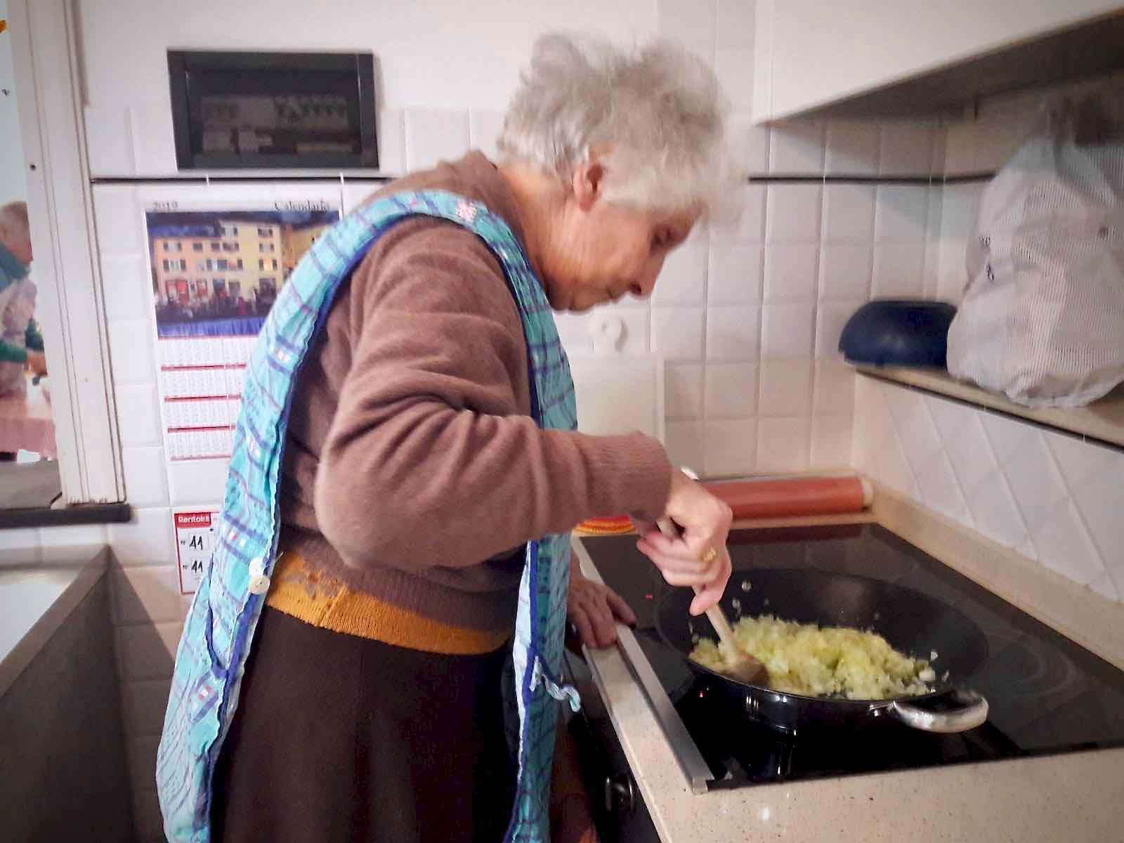 Centro Diurno Anziani - Attività di cucina 2019 03