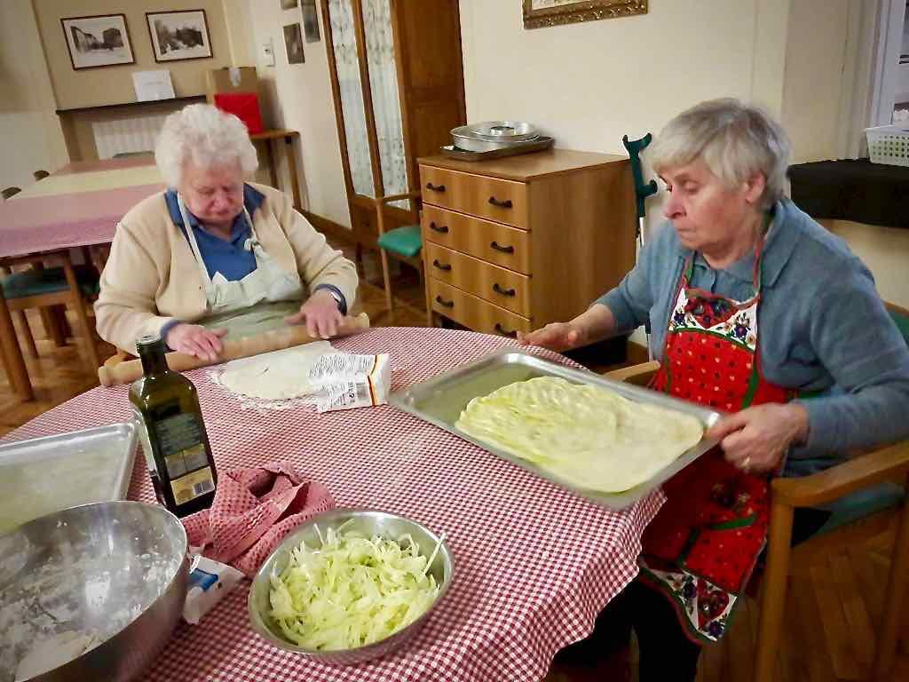 Centro Diurno Anziani - Attività di cucina 2019 04