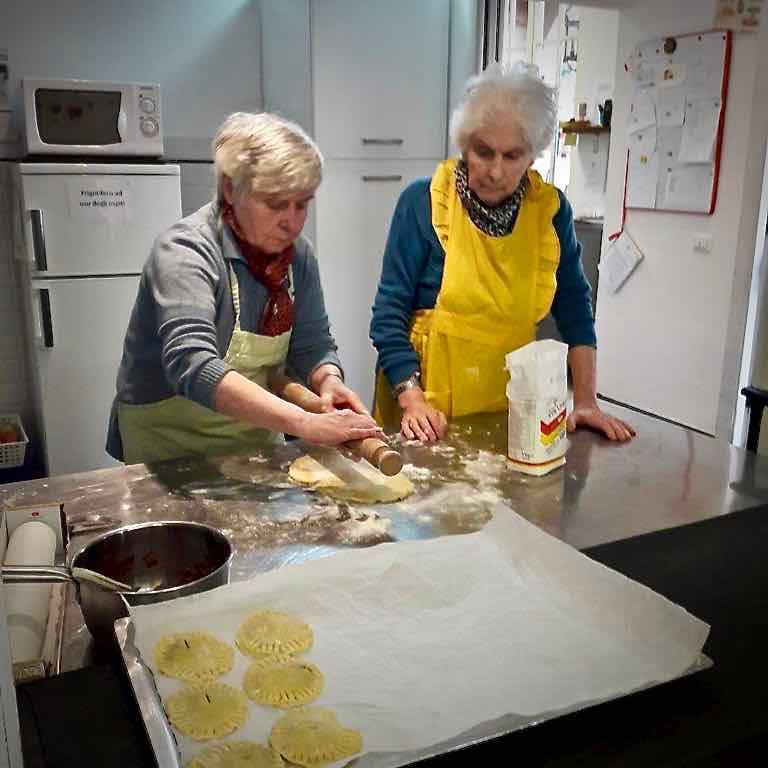 Centro Diurno Anziani - Attività di cucina 2019 06