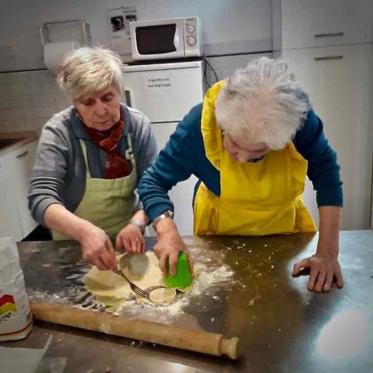 Centro Diurno Anziani - Attività di cucina 2019 07