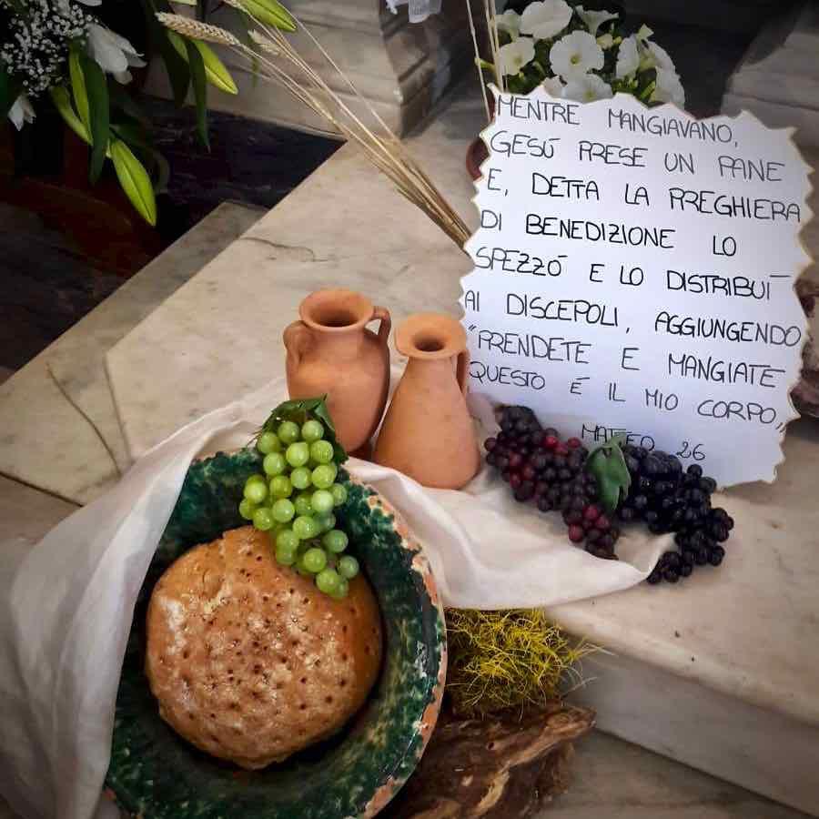 La visita del Centro Diurno Anziani al sepolcro del giovedì santo a Pontori in val Graveglia