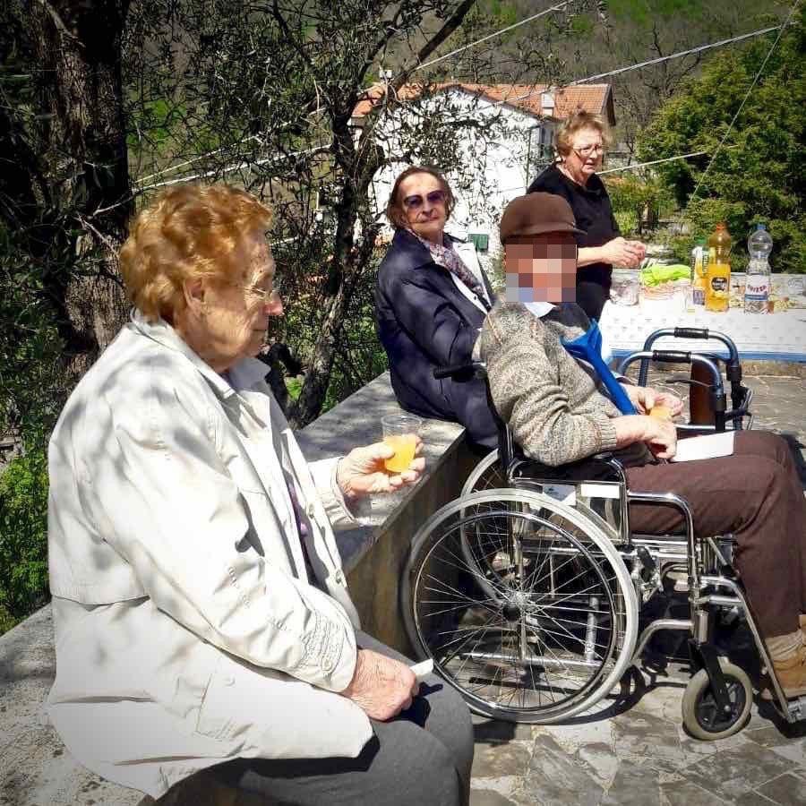 Centro Diurno Anziani - Visita sepolcro Pontori 2019.04.18 - 8