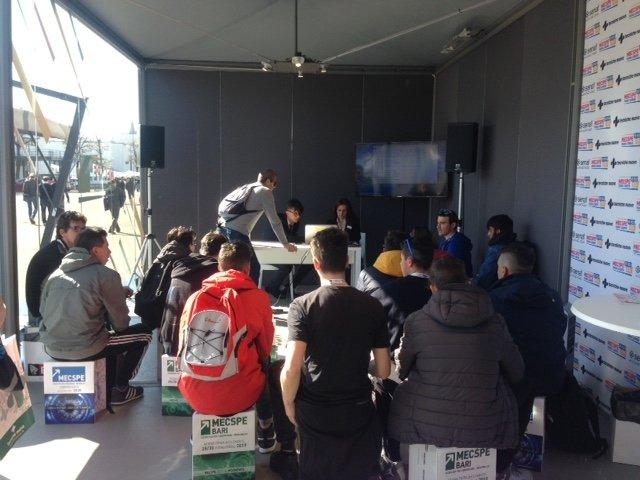 Gli allievi del Corso Operatore Meccanico del CFP Spinelli e del Centro San Salvatore alla Fiera di Parma MECSPE 2019 01