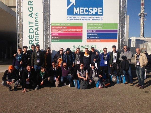 Gli allievi del Corso Operatore Meccanico del CFP Spinelli e del Centro San Salvatore a Parma per la fiera MECSPE 2019: l'eccellenza della tecnologia applicata all'industria
