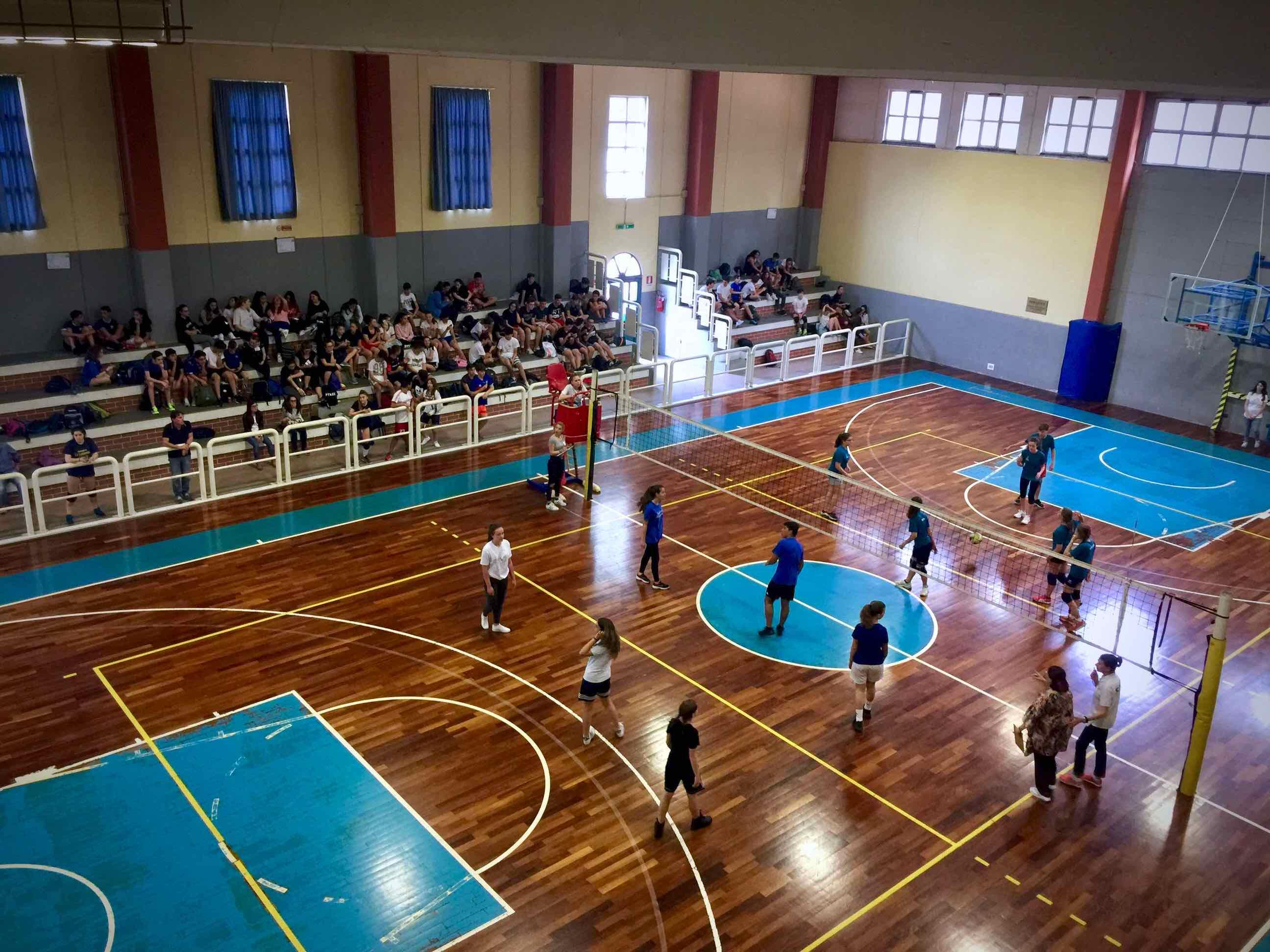 Al Centro Benedetto Acquarone il torneo di pallavolo del Liceo Marconi-Delpino di fine anno scolastico 02