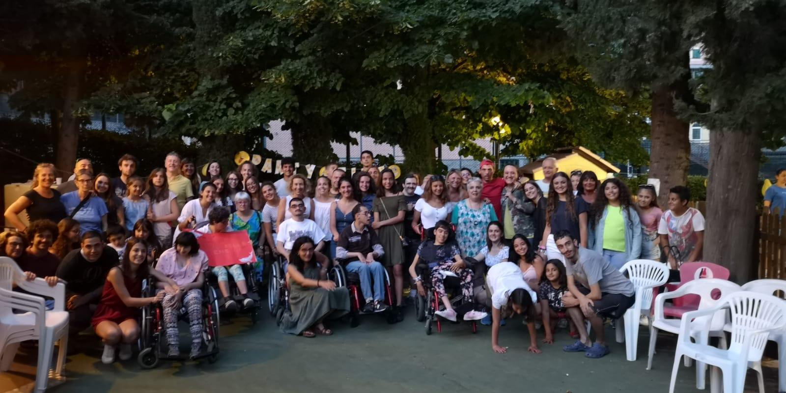 Festa di inizio estate al Centro Acquarone con i partecipanti al laboratorio di ballo dell'Area della Disabilità