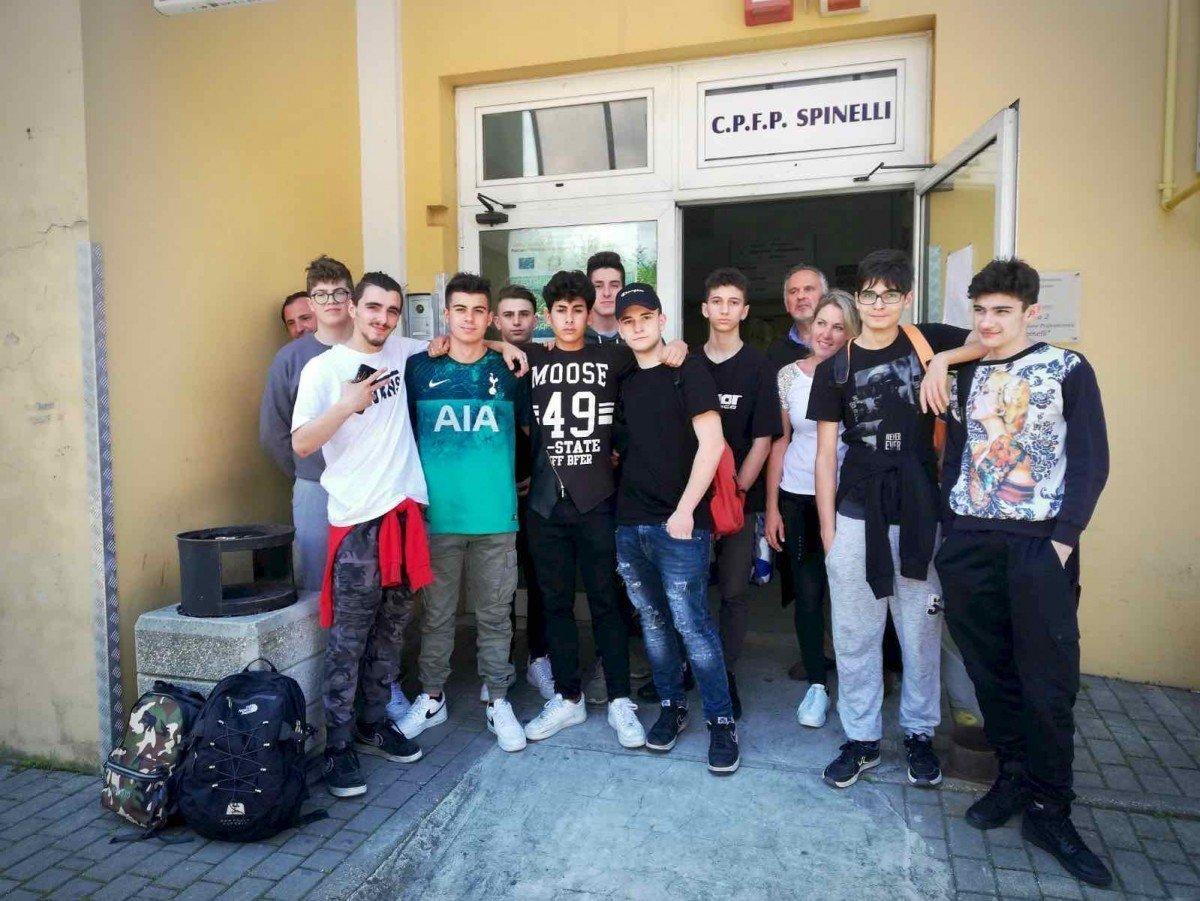Gli allievi del CFP Spinelli di Genova in visita all'azienda Nobel Sport Italia 01