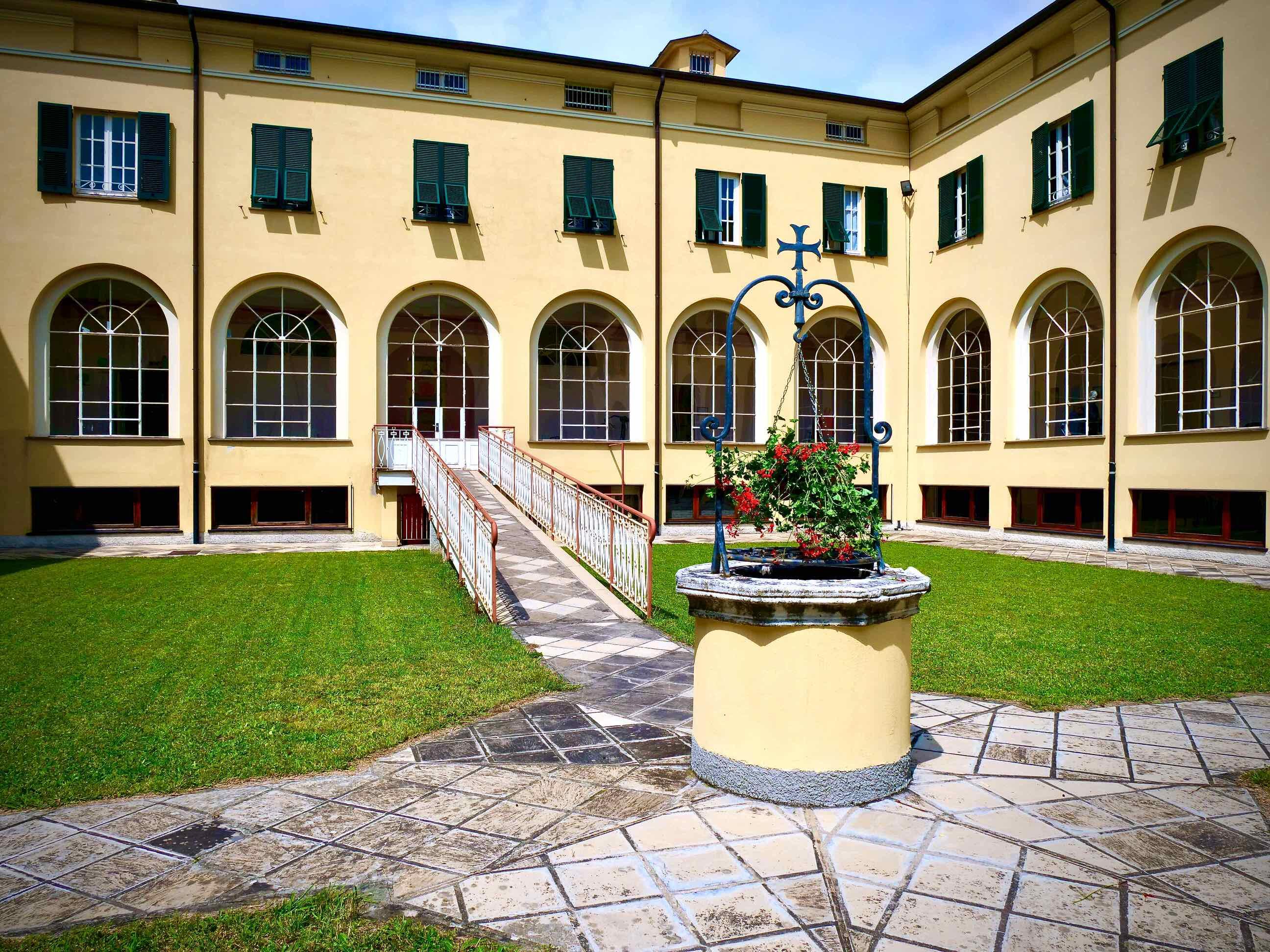 Centro Benedetto Acquarone - Villaggio del Ragazzo - Chiostro con prospettiva pozzo